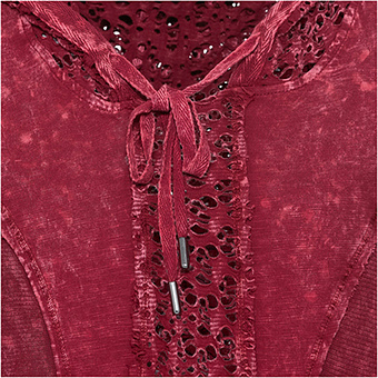 Basic Shirt mit Loch-Struktur, chianti