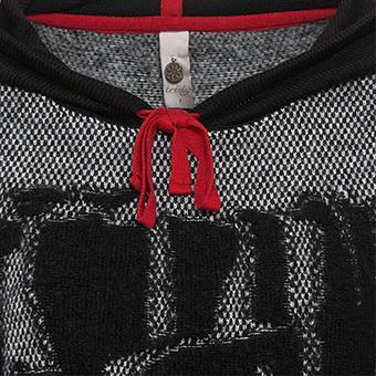 Strickpullover mit roten Akzenten, schwarz