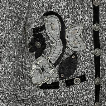 Strickjacke mit Blüten-Applikationen, anthra-melange