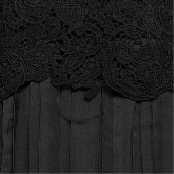 Strickjacke mit Plissee, schwarz