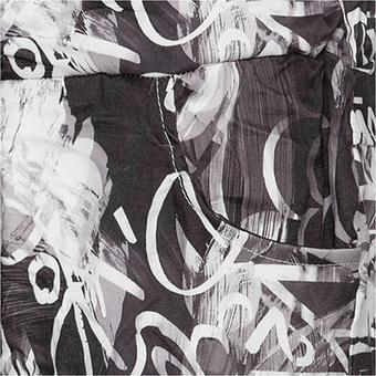 Hose im Alloverprint, schwarz-weiß